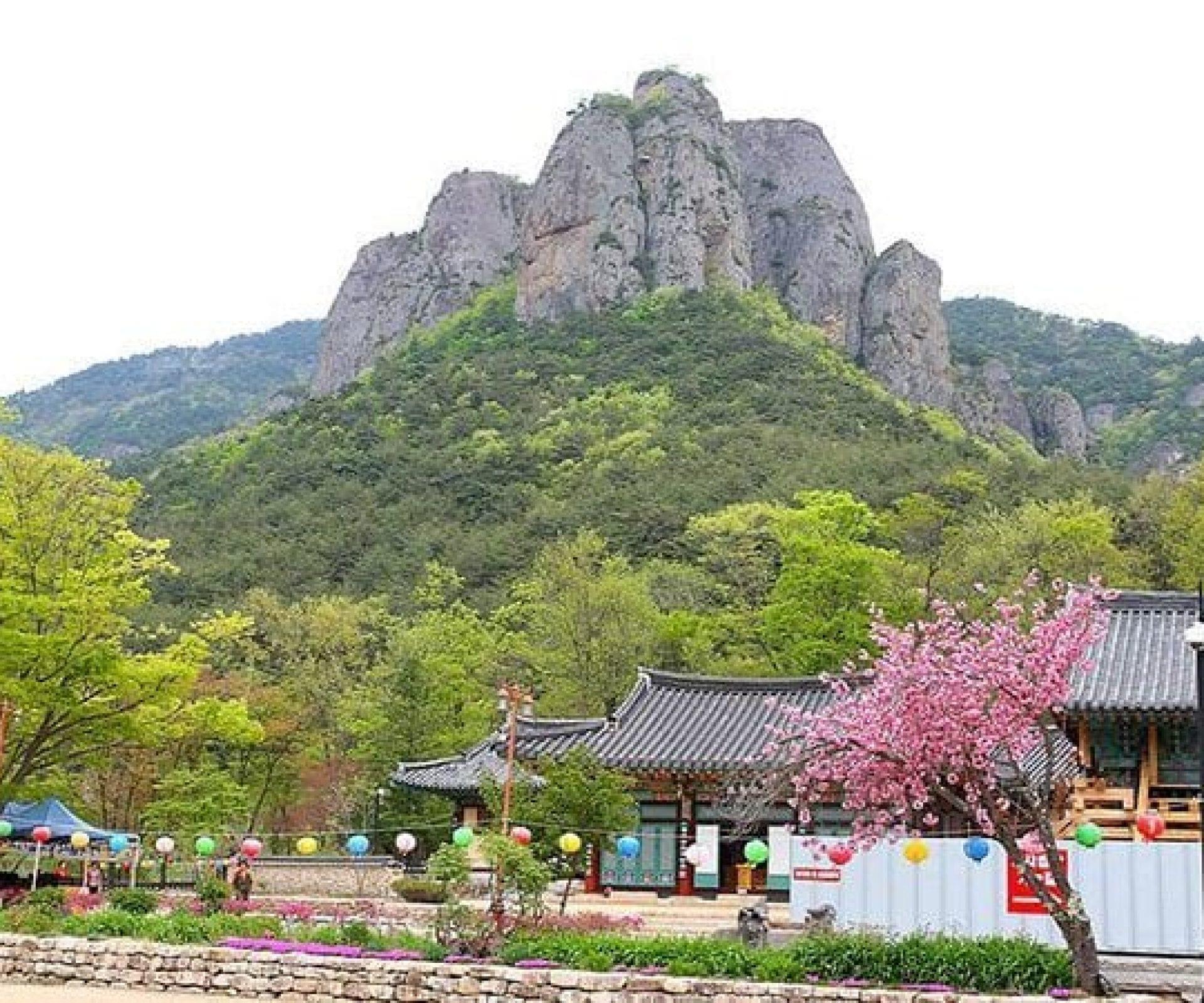 Juwangsan Mountain   Cheongsong-gun, Gyeongsangbuk-do