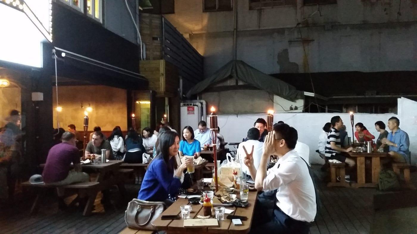 Linus' BBQ, patio, Itaewon, Seoul