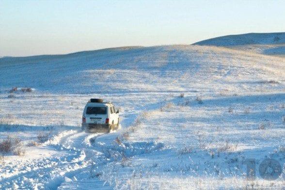 Kazakhstan-Following-Lada-Liva-Berkutchi-Dec-20-2014