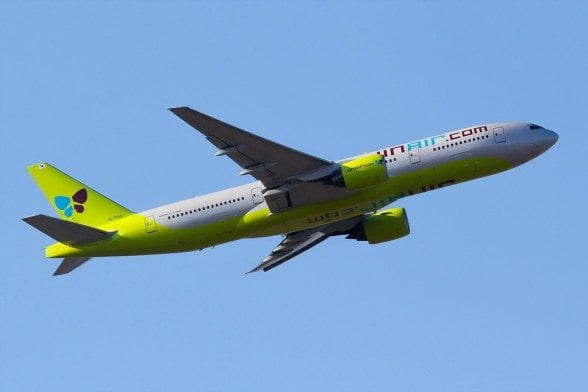 Jin Air Boeing 777-200ER taking off from Seoul Incheon By Hyeonwoo Noh [CC BY-SA 4.0 (http://creativecommons.org/licenses/by-sa/4.0)
