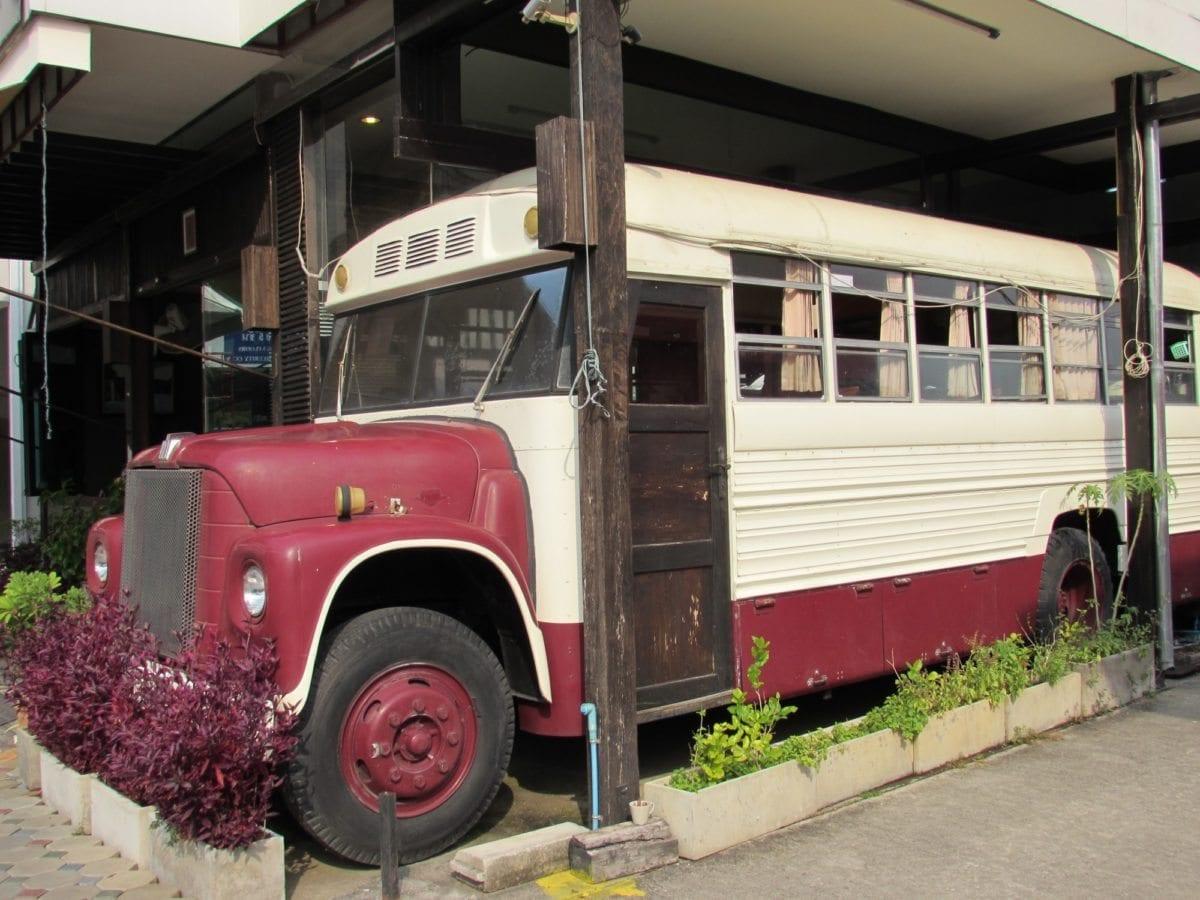 Chiang Mai cheap, restaurants, coffee bus