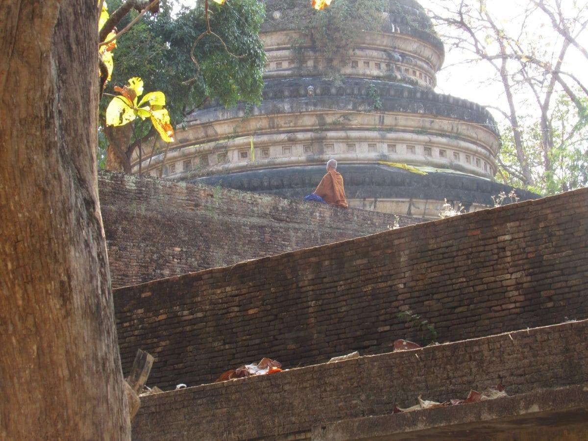 Wat U Mong, forest temple, meditation, Chiang Mai cheap