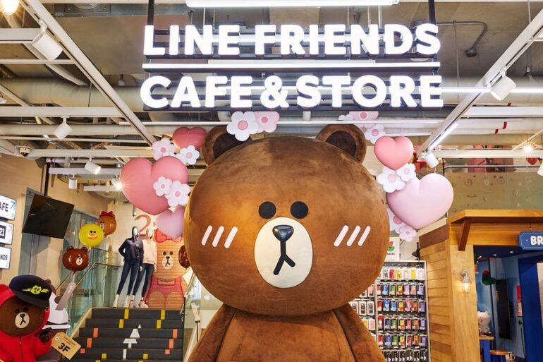 line-freinds-cafe-and-store