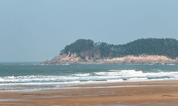 Mallipo-Beach-Taean-gun