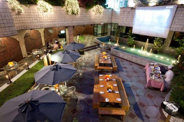 Belle-Essence Seoul Hotel_Outdoor Beer Garen_Blue