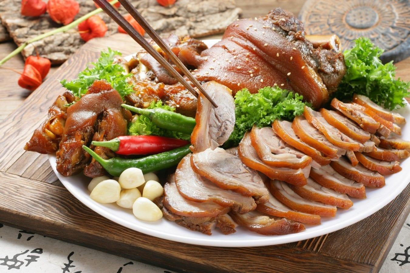 what to eat with soju jokbal