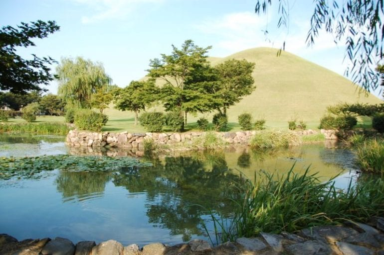 places to see in gyeongju tumuli park tomb