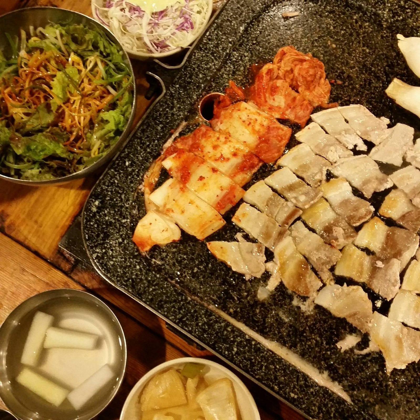 Nightlife in Seoul samgyupsal restaurant eujilro