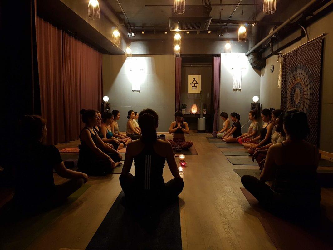 flow room yoga studio seoul