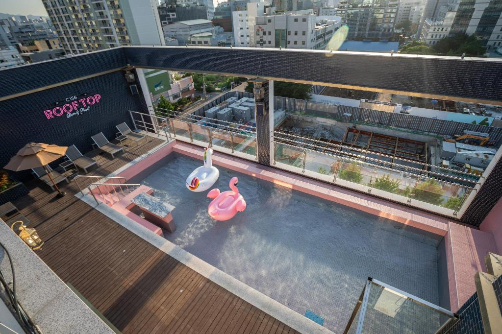 best places hotels seoul h avenue hotel kondae seongsu swimming pool