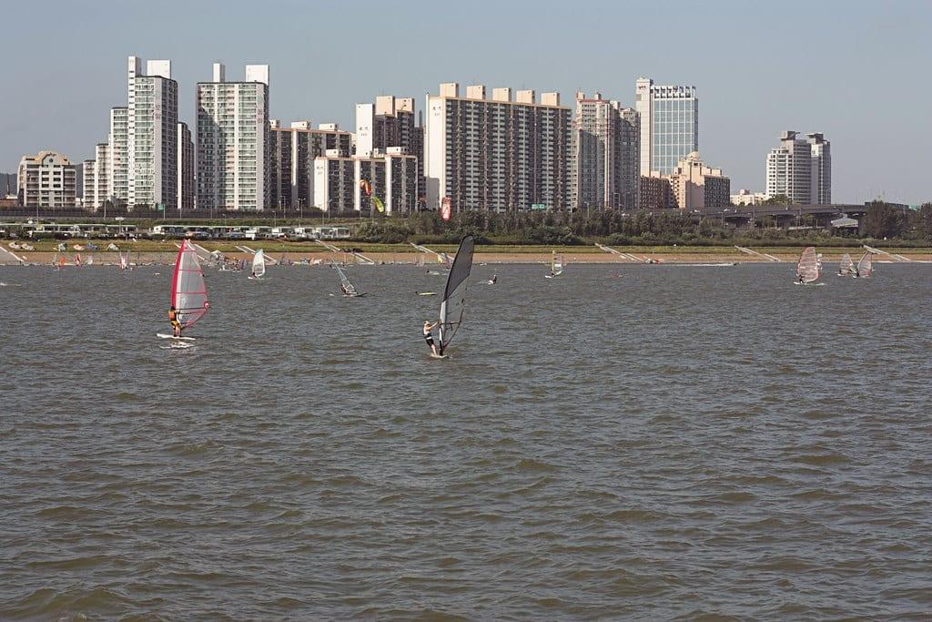 windsurfing water sports hangang park seoul han river korea summer