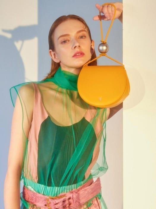 fall winter fashion trends 2019 korea korean tote bag